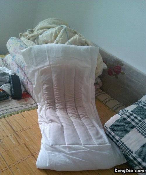 好奇怪的枕头,瞬吸口水么?