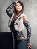 韩国第一美女车模黄美姬