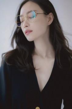 美到无法形容!眼镜女神倪妮秒杀江一燕九条街