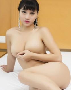 性感巨乳妹子小雅黑丝高清人体艺术