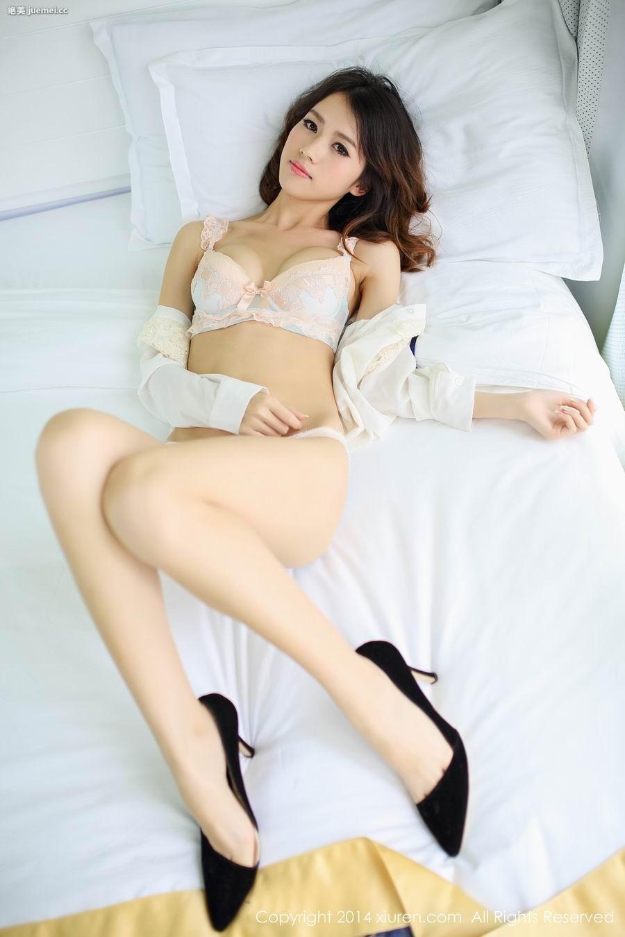 亚洲孕妇人体艺术 清纯护士改制过后散发的性感