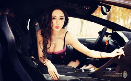 人体模特大赛 姿势撩人性感女秘制服诱惑翘臀美