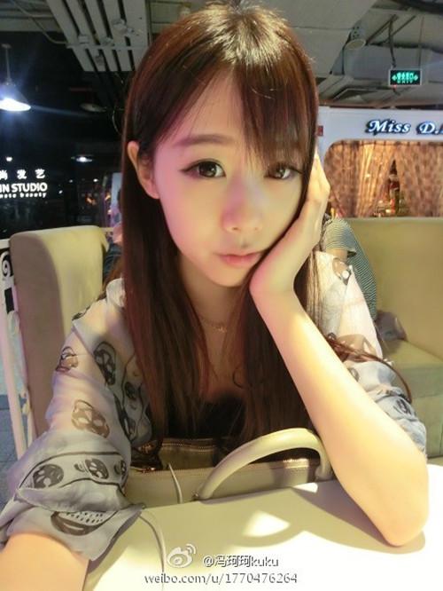 傅贞怡人体模特 美女制服诱惑私房照写真图片下