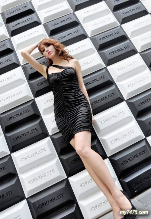 优优人体汤芳 气质美女黑色透视装图片丰乳长腿