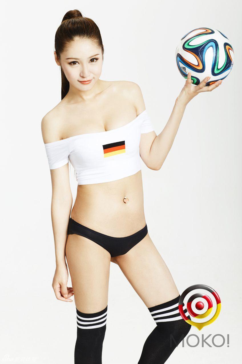 张筱雨最大胆艺术写真 白皙长腿美女曲线动人极