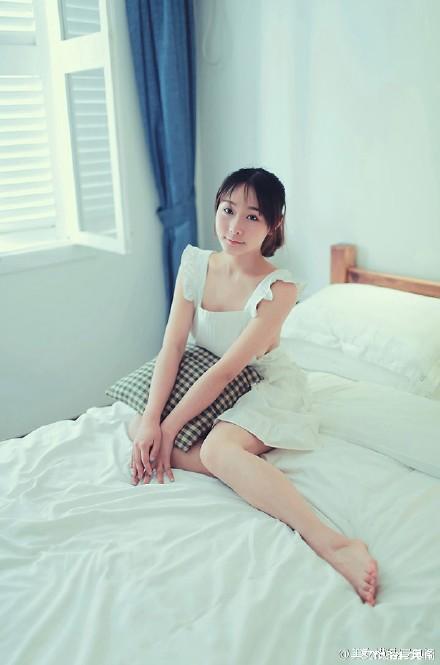 人体摄影图片下载 日本美女性感裹胸包臀姿势撩