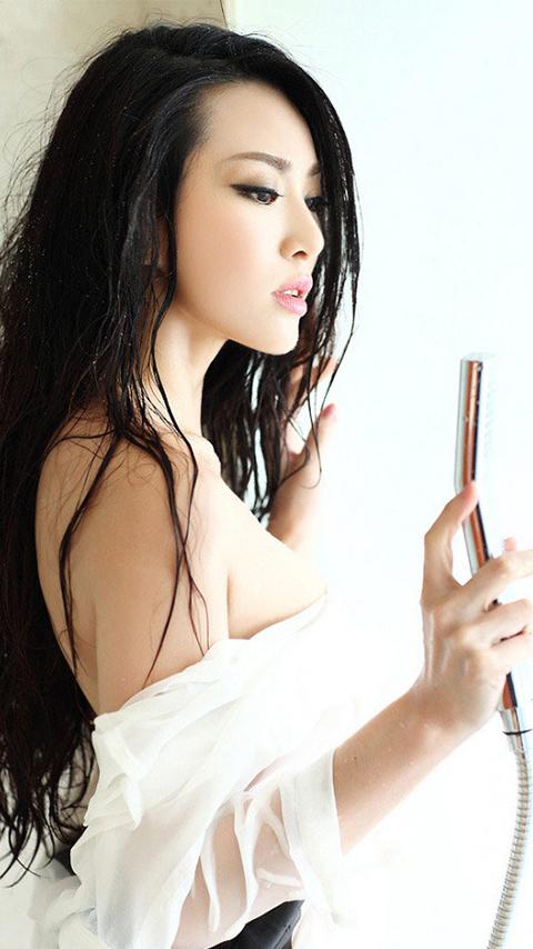 女人大胆人体图片 金光闪闪火辣身材性感迷人大