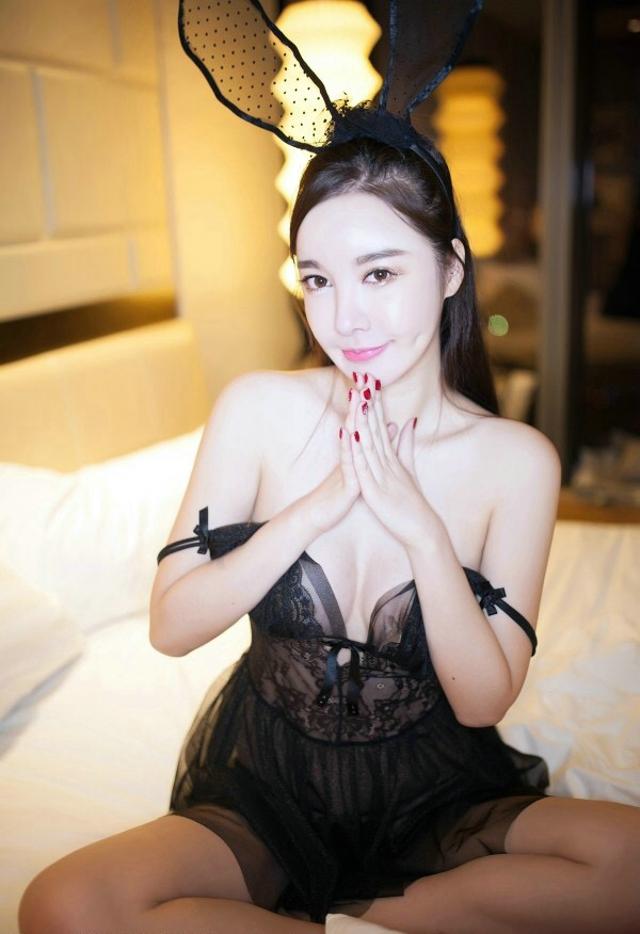 王婉霏人体艺术 长腿美女性感职业装诱惑肉丝高