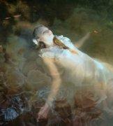 海螺壳作品《奥菲利亚与葬花之冢》