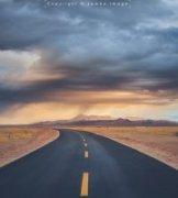 Jambo作品《天空太远,路太漫长》