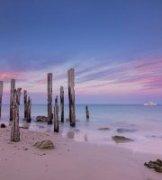 詹姆斯摄影作品《威伦加港的日出-游艇》