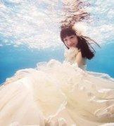 水下的婚纱 顶级小清新婚纱夏天艺术图片欣赏